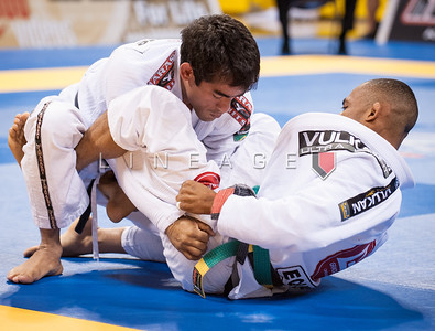 Rafael Freitas from Gracie Barra vs. Bernardo Pitel from Nova Uniao in the Black Belt Rooster Quarter Finals.
