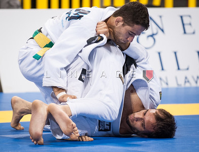 Laercia Fernandes from Lotus Club BJJ vs. Samir Chantre in the Black Belt Light Feather  Quarter Finals.