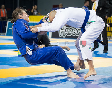 Matt Devine X Gregory Cinelli in the Master 4, blue belt, medium-heavy elimination match.