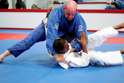 Lapel Choke from Knee in Stomach.