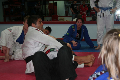 Shaolin showing an Armbar.