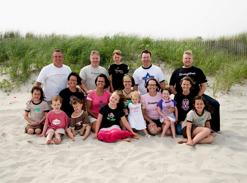 This is the 5 ladies and their families, we had a great time doing portraits on the beach in July 2009, I love you guys!
