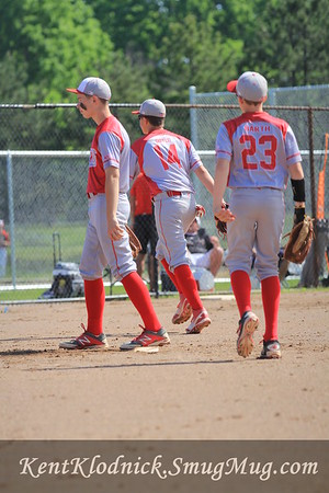 2016-05-30 Bees Baseball vs Mentor-Spiders 013