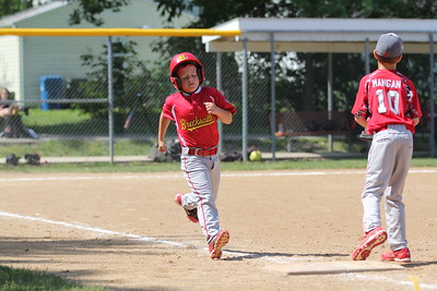 2015-06-07 Bees Baseball U8 vs Fairview 011