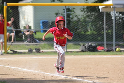 2015-06-07 Bees Baseball U8 vs Fairview 010