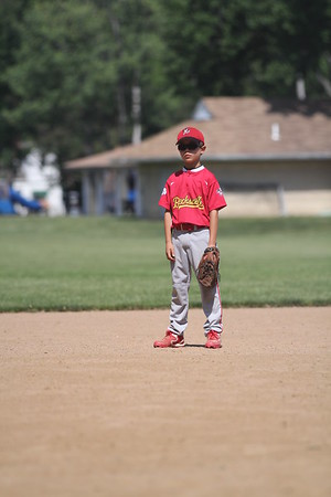 2015-06-07 Bees Baseball U8 vs Fairview 030