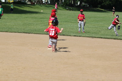 2015-06-07 Bees Baseball U8 vs Fairview 013