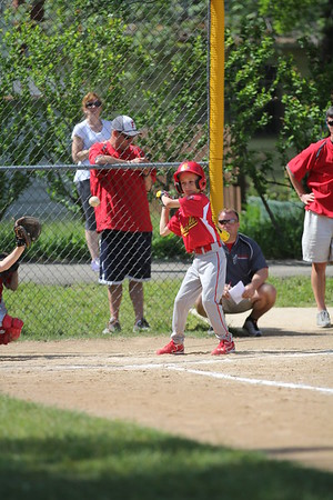 2015-06-07 Bees Baseball U8 vs Fairview 008