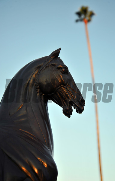 Breeders' Cup Statue