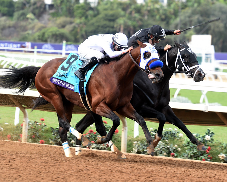 Battle of Midway wins the 2017 Breeders' Cup Dirt Mile<br /> Dave Harmon Photo