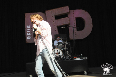Cage The Elephant 6/6/2010- Live 105 BFD @ Shoreline (Mountain View, CA)