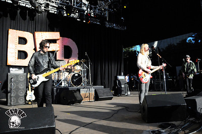 Hole 6/6/2010- BFD Live 105 @ Shoreline (Mountain View, CA)