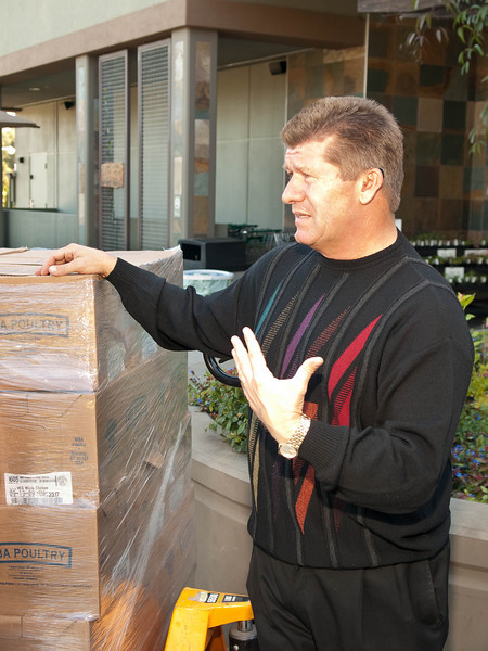2009.10.06  Briar Patch donates 1000 lb of chicken to the Food Bank