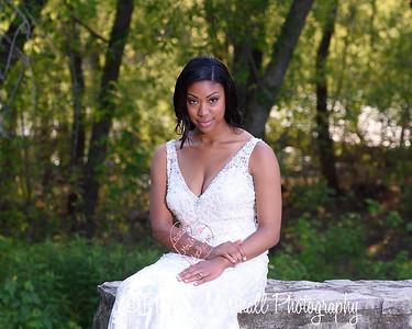 Nicole Woodhouse 040916-030