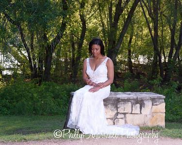 Nicole Woodhouse 040916-025