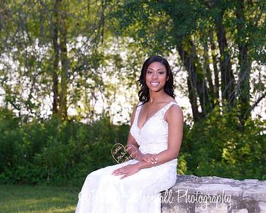 Nicole Woodhouse 040916-020