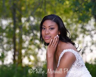 Nicole Woodhouse 040916-034