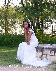 Nicole Woodhouse 040916-032
