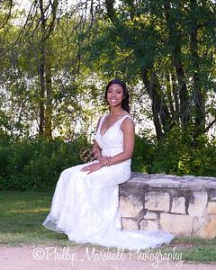 Nicole Woodhouse 040916-021