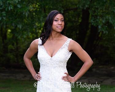 Nicole Woodhouse 040916-004