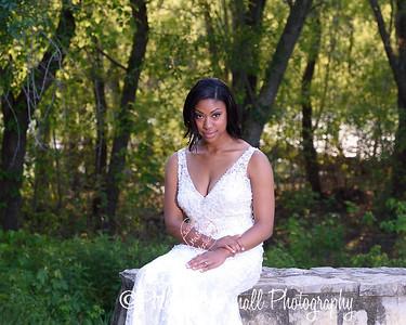 Nicole Woodhouse 040916-029