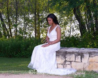 Nicole Woodhouse 040916-023