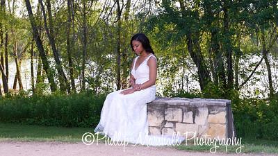 Nicole Woodhouse 040916-024