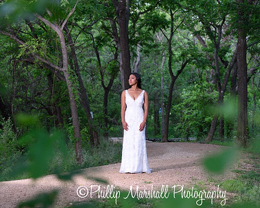 Nicole Woodhouse 040916-045