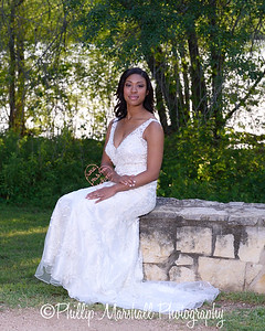 Nicole Woodhouse 040916-019