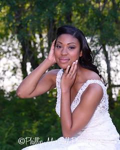 Nicole Woodhouse 040916-040