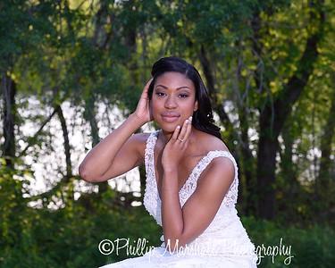 Nicole Woodhouse 040916-041