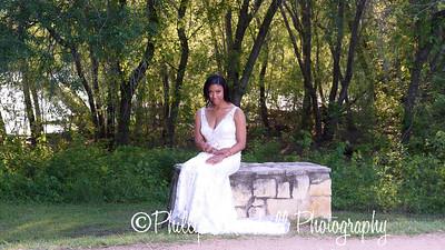Nicole Woodhouse 040916-028