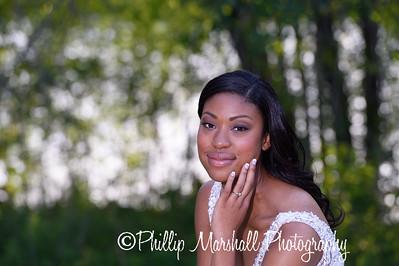 Nicole Woodhouse 040916-038