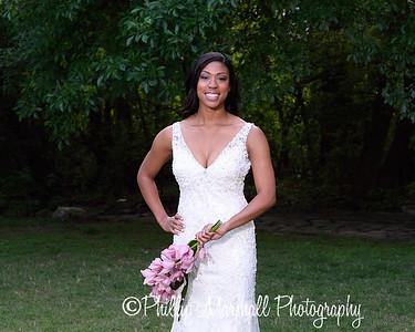 Nicole Woodhouse 040916-008
