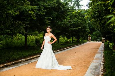 Nicholle' s Bridals