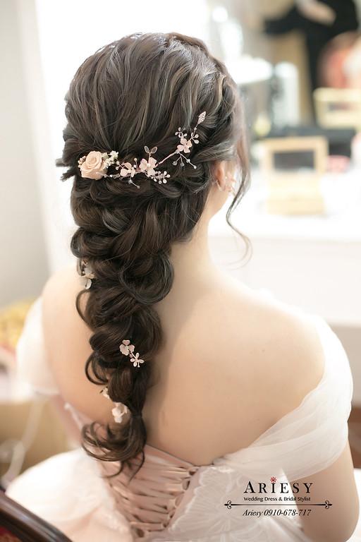 新秘,新娘秘書,愛瑞思婚紗禮服,宜蘭冬山河香格里拉婚禮,ariesy,編髮鮮花新娘髮型
