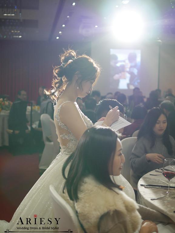 敬酒花圈新娘造型,鮮花新秘,新娘秘書,愛瑞思,ARIESY,故宮晶華婚禮