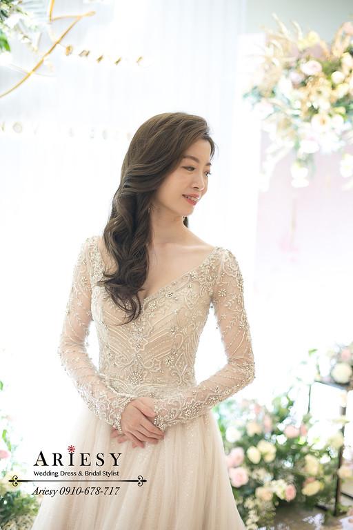 送客新娘造型,新娘秘書,台北新秘,水晶蕾絲婚紗,長袖白紗送客,愛瑞思