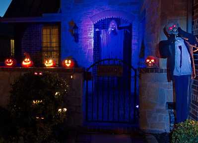 3rd_Place_Bridgeland_Halloween_Home_D75_0645a