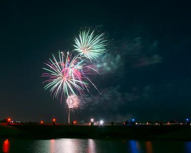 Bridgeland_Bridge_Fireworks_8x10_RAW0527_resize
