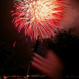 Bridgeland_Flag_Fireworks_2015__RAW0553_resize