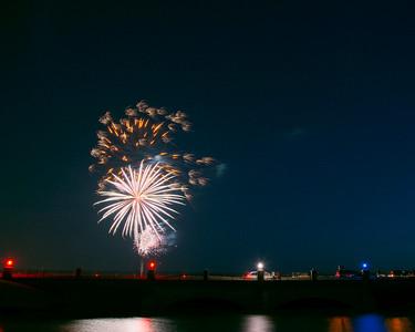 Bridgeland Fireworks July 4, 2015