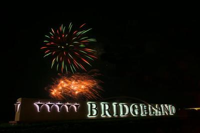 Bridgeland_sign_Fireworks_2015__RAW0549_resize