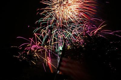Bridgeland_Flag_Fireworks_2015__RAW0551_resize