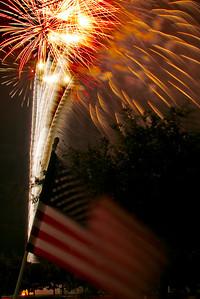 Bridgeland_Flag_Fireworks_2015__RAW0552_resize