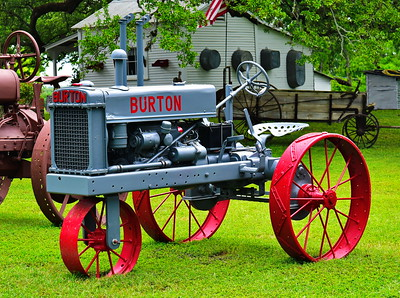 Bridgeland_Photo_Group_Washington_Co_trip_4-2016_Burton_tractor_D75_5167
