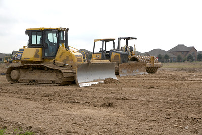 Bulldozer_grading_road_RAW0161