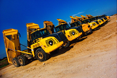 Bridgeland_Row_Dumptrucks_DSC1747
