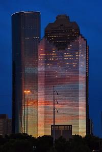 Downtown_Houston_Rainbow_Building_D75_6786