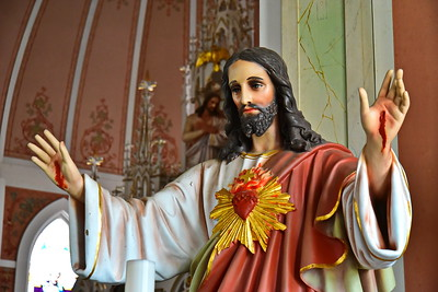 05202017_St_John_Baptist_Painted_Church_Jesus_Statue_750_3564